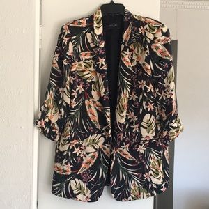 Open front blazer with tabbed sleeves